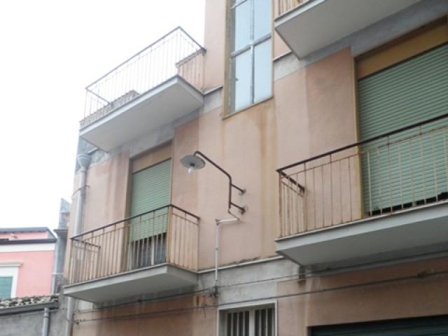 indipendente 1 terrazzo piano da ristrutturare foto1-17750800