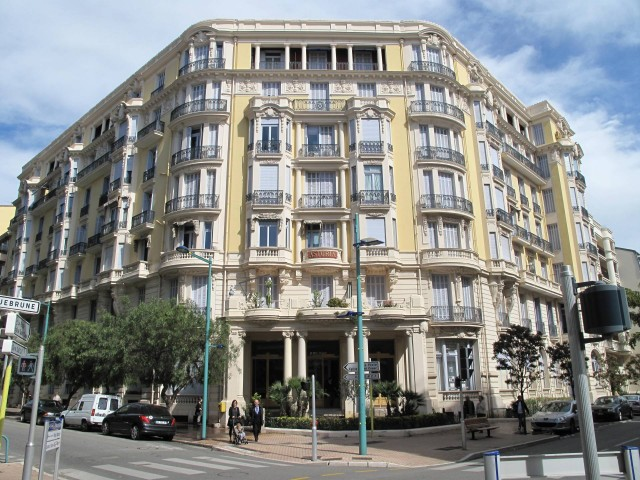 VACANZA IN APPARTAMENTO A MENTON Centro casino 33 Avenue Carnot 852€ 70mq 3vani
