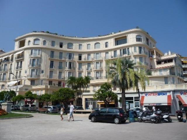 VACANZA IN APPARTAMENTO A MENTON Centro casino 2 Avenue Boyer 1170€ 70mq 3vani