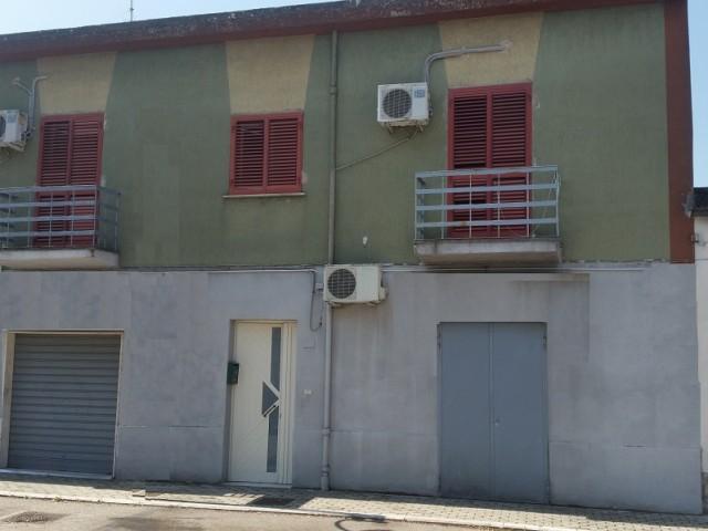 casa semindipendente in vendita a telese terme via cristoforo colombo