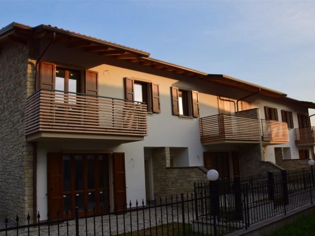 Villa a schiera in affitto a bergamo cercasi for Affitto villa bergamo