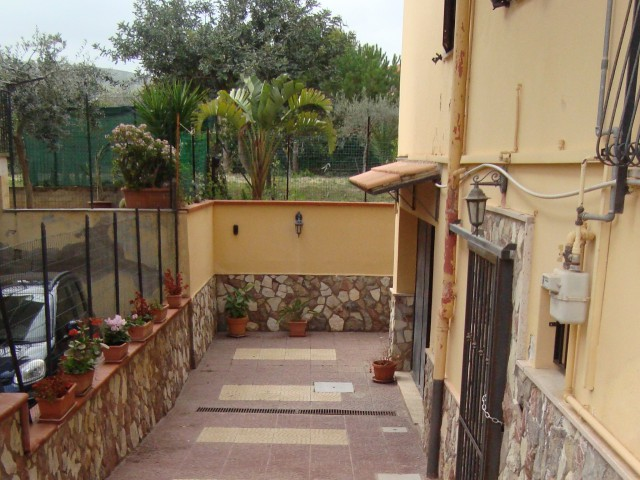 casa indipendente via ugo da italia 56 foto1-78964620