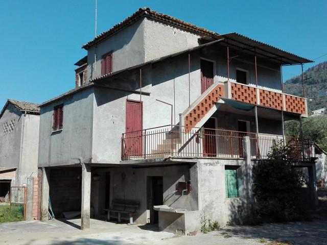 casa indipendente con terreno lazio foto1-80530194