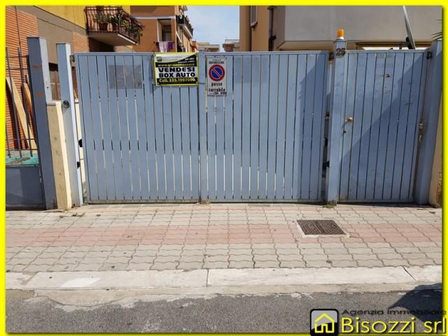 garage box in civitavecchia foto1-81125226