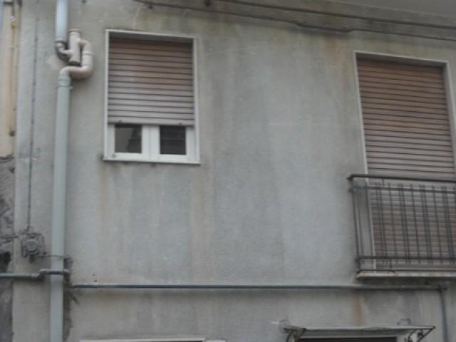 Indipendente in Vendita a Bronte via Galileo Galilei n 14 Semi Centrale