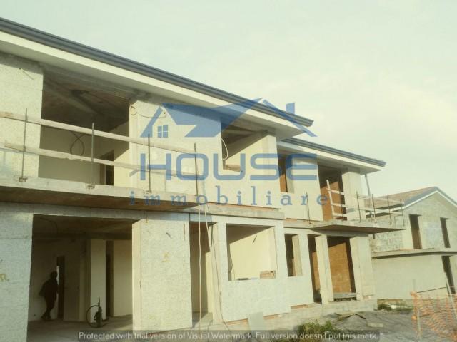 case in vendita ragalna con giardino foto1-83109865