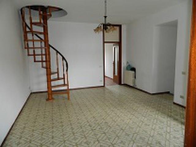 Affitto appartamenti pavia privati cercasi for Case arredate in affitto a garlasco