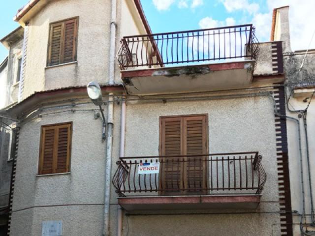 indipendente 1 terrazzo piano da ristrutturare foto1-88150639