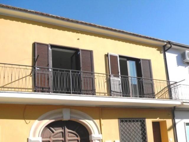 casa indipendente in vendita a sessa aurunca carano foto1-89800848