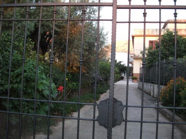 vendita case sicilia con giardino foto1-92464123