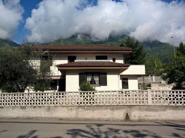 casa indipendente vendita casale corte cerro foto1-92926077