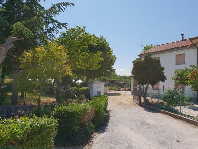 villa bifamiliare in vendita a montemarciano via porcareccia 12 foto1-93547610