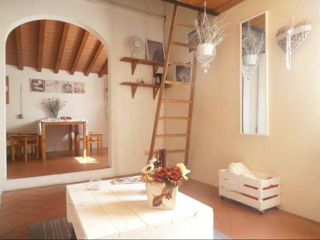Appartamento in Affitto a Firenze via Dei Pepi, Centro