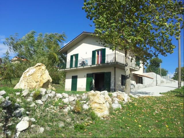 vendita case montemarano indipendente foto1-95338094