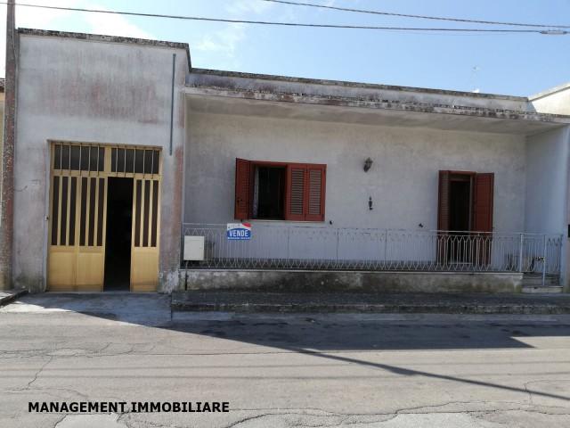 Casa Indipendente in Vendita a Castrignano De' Greci via Matteotti 17